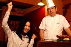 料理人と一緒に撮って海外旅行気分に